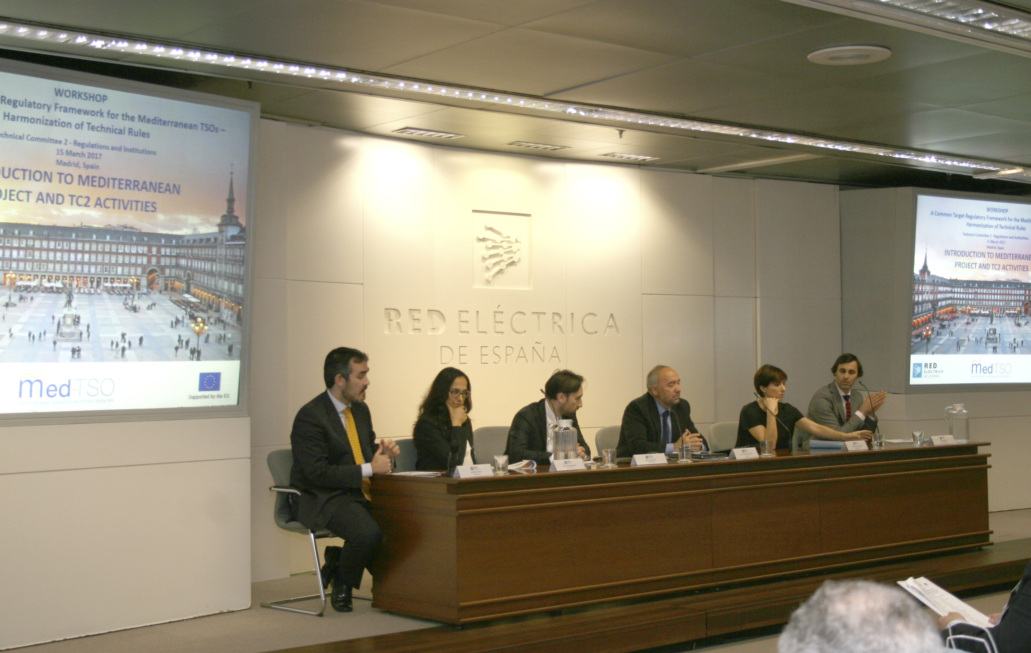 A moment of the first session: (from left to right) Andrés Sainz (REE), Olfa Belhadj Hmida (STEG), Vito Gonnella (TERNA), Juan Francisco Alonso (REE), Stamatina Efstathiou (ADMIE), Bruno Nunes (REN)